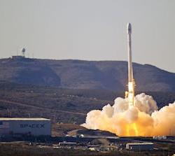 SpaceX Falcon 9 v1.1. Via Wikimedia Commons