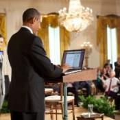 Obama_Tweeting